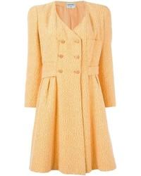 Abrigo amarillo de Chanel