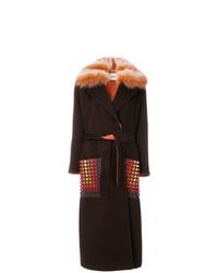 Abrigo con cuello de piel en marrón oscuro de Fendi