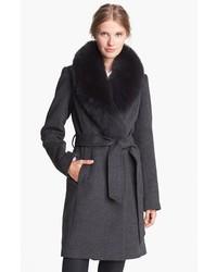 Abrigo con cuello de piel gris oscuro original 10133616