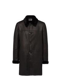 Abrigo de piel de oveja negro de Prada