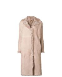 Abrigo de piel de oveja rosado de Salvatore Santoro