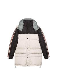Abrigo de plumón en blanco y negro