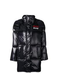 Abrigo de plumón negro de Miu Miu