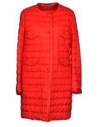 Abrigo de plumón rojo