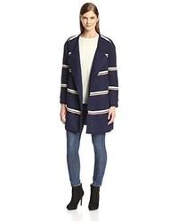 Abrigo de rayas horizontales azul marino