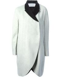 Abrigo en blanco y negro