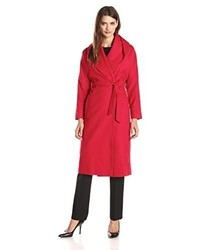Abrigo rojo de Helene Berman