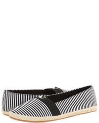 Alpargatas de lona de rayas horizontales en negro y blanco