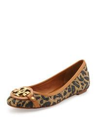 Bailarinas de cuero de leopardo marrón claro