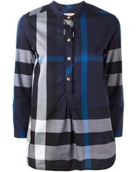 Blusa de tartán azul marino de Burberry