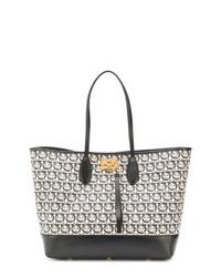 Bolsa tote de cuero con estampado geométrico en negro y blanco de Salvatore Ferragamo