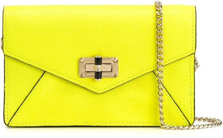 Bolso bandolera de cuero en amarillo verdoso de Diane von Furstenberg