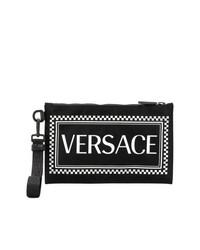 Bolso con cremallera de cuero estampado negro de Versace