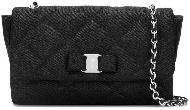 Bolso de hombre de cuero acolchado negro de Salvatore Ferragamo