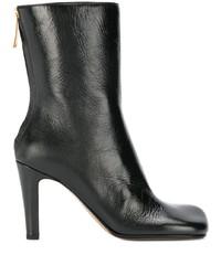 Botas a media pierna de cuero negras de Bottega Veneta