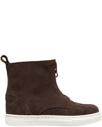 Botas de ante en marrón oscuro