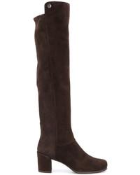 Botas de caña alta de ante en marrón oscuro de Stuart Weitzman