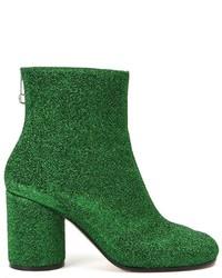 Botas de cuero con adornos verdes de Maison Margiela