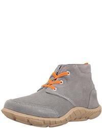 Botas grises de Umi