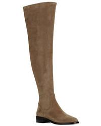 Botas sobre la rodilla de ante marrónes