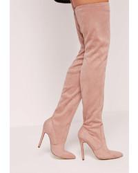Botas sobre la rodilla de ante rosadas