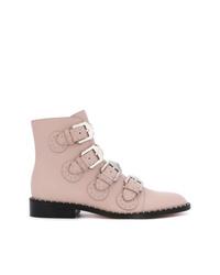 Botines de cuero con adornos rosados de Givenchy