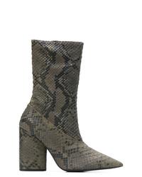 Botines de cuero con print de serpiente en gris oscuro de Yeezy