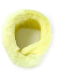 Bufanda de pelo amarilla