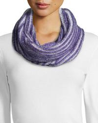Bufanda de punto violeta claro