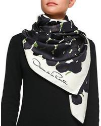 Bufanda de seda estampada en negro y blanco