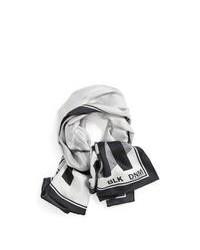 Bufanda estampada gris
