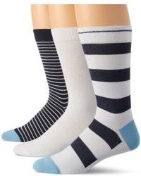Calcetines en blanco y azul marino