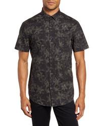 Camisa de manga corta con print de flores verde oscuro