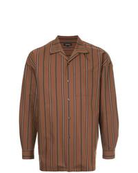 Camisa de manga larga de rayas verticales en tabaco de Loveless