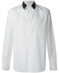 Camisa de vestir en blanco y negro