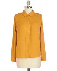 7999f2cdf3 Comprar una camisa de vestir mostaza  elegir camisas de vestir ...