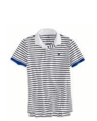 Camisa polo en blanco y azul marino