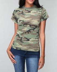 Camiseta con cuello circular de camuflaje