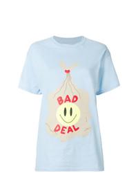 Camiseta con cuello circular estampada celeste de Bad Deal