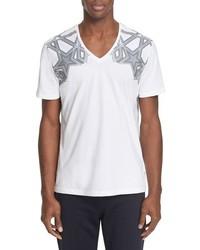 Camiseta con cuello en v de estrellas blanca