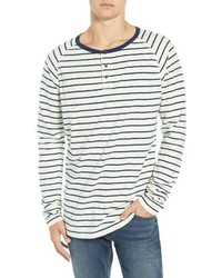 Camiseta henley de manga larga de rayas horizontales en blanco y azul marino