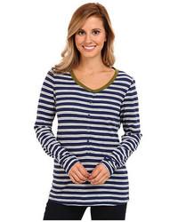 Camiseta henley de rayas horizontales en blanco y azul marino