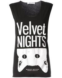 Camiseta sin manga estampada en negro y blanco