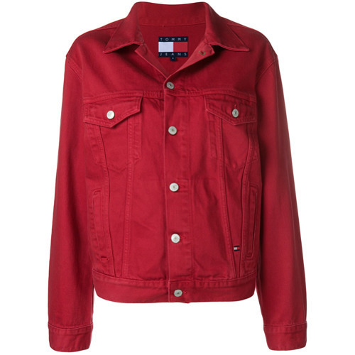 2a3599f1edcde ... Chaqueta vaquera roja de Tommy Jeans ...