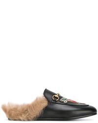 Chinelas bordadas negras de Gucci
