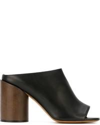 Chinelas de cuero gruesas negras de Givenchy