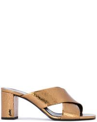 Chinelas doradas de Saint Laurent