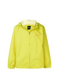 Chubasquero en amarillo verdoso de A.P.C.