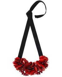Collar con print de flores rojo de P.A.R.O.S.H.