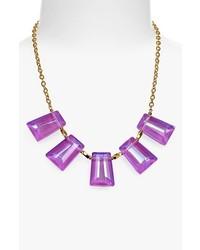 Collar en violeta
